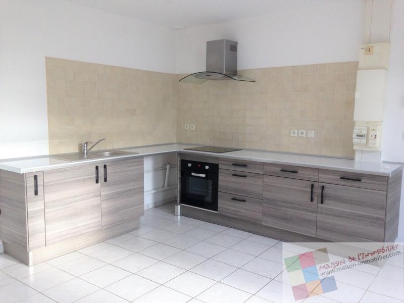 Location maison / villa Burie 437€ CC - Photo 1