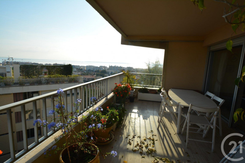 Deluxe sale apartment Antibes 648 000€ - Picture 2
