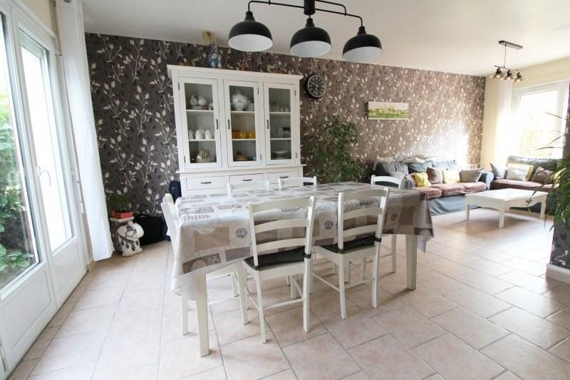 Sale house / villa Maurepas 325000€ - Picture 3