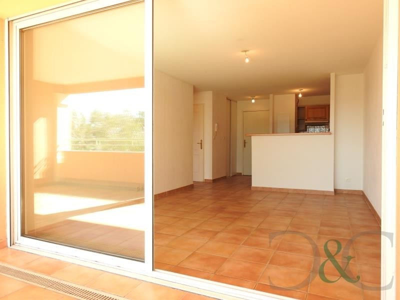Sale apartment Bormes les mimosas 209 000€ - Picture 2