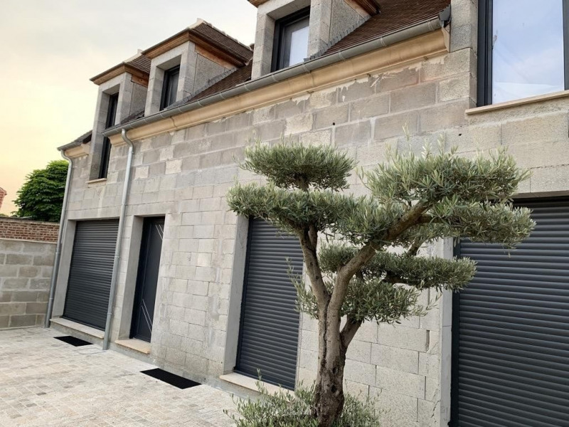Sale house / villa Neuilly en thelle 280 000€ - Picture 1
