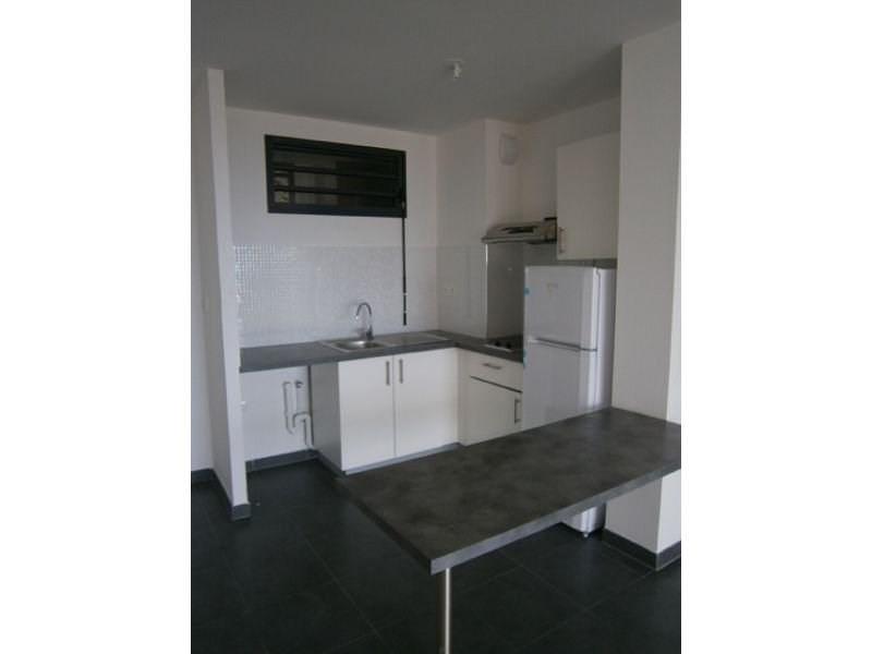 Location appartement St denis 585€ CC - Photo 1