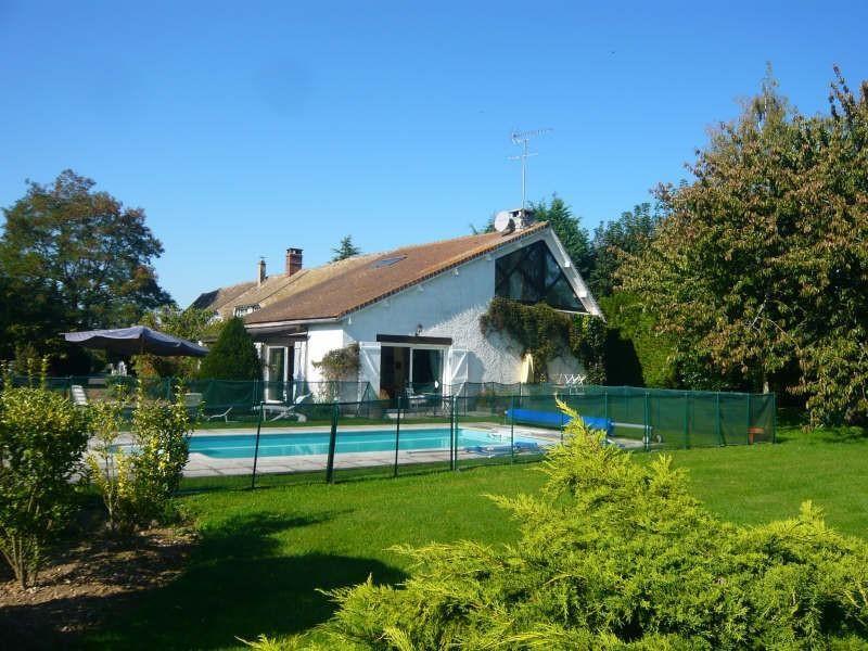 Sale house / villa Breval 438000€ - Picture 1