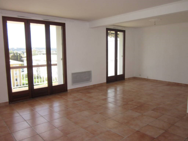 Rental apartment Avignon 656€ CC - Picture 1