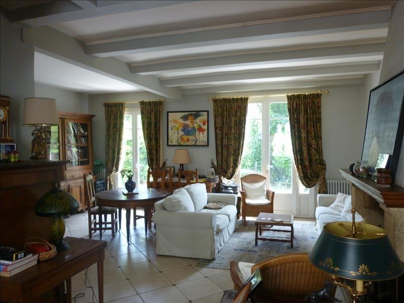 Sale house / villa Poissy 379000€ - Picture 2
