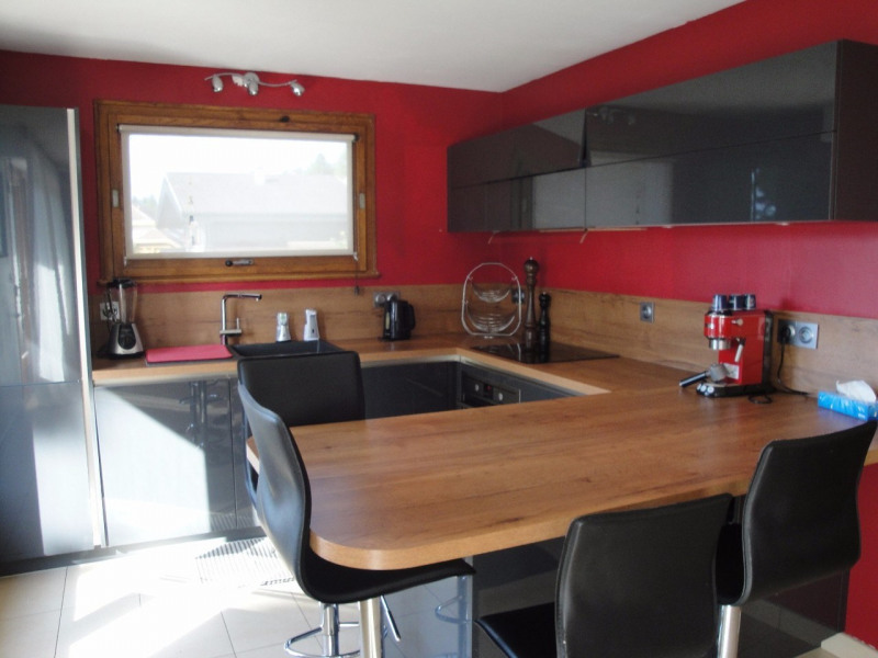 Deluxe sale house / villa Poisy 647000€ - Picture 3