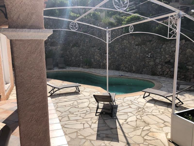 Deluxe sale house / villa Les issambres 890000€ - Picture 2