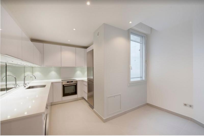 Rental apartment Paris 8ème 8300€ CC - Picture 8