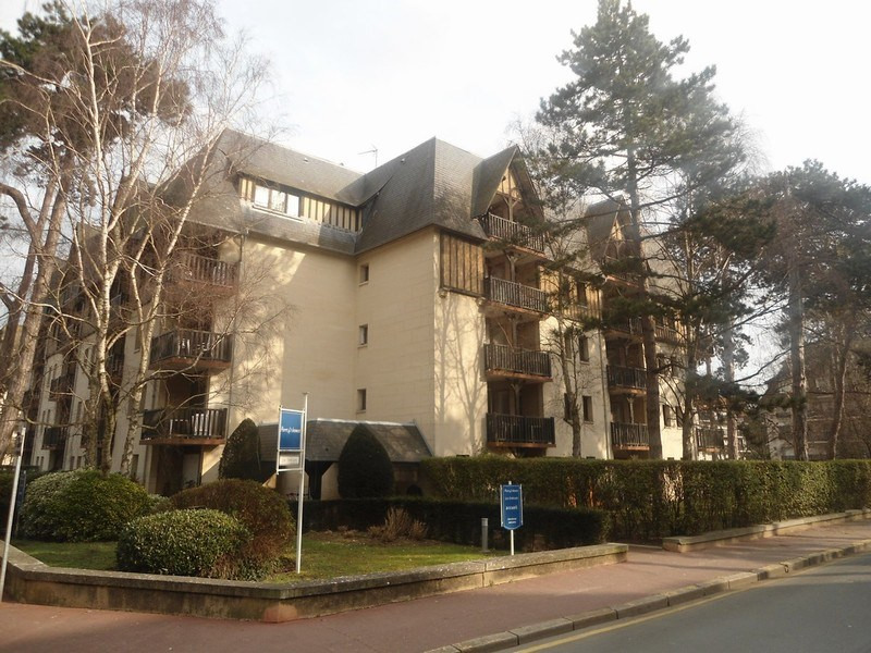 Sale apartment Deauville 104 808€ - Picture 1