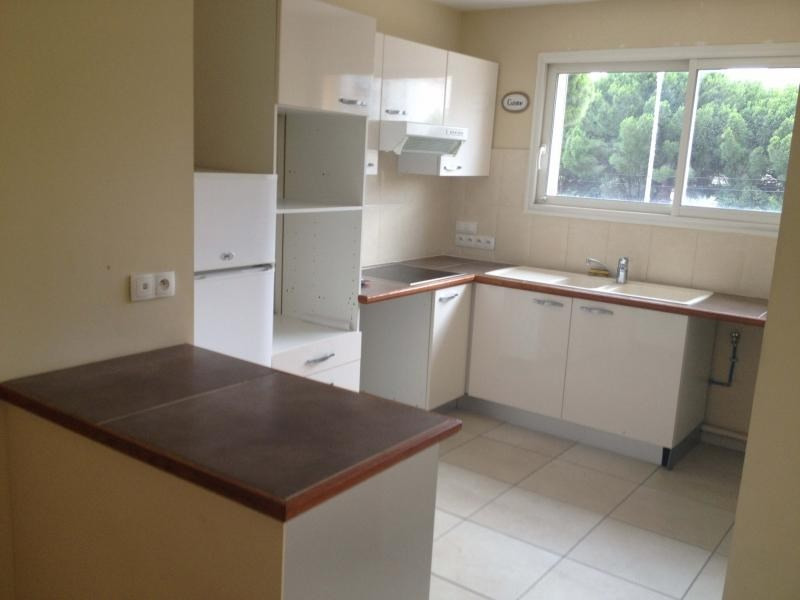 Rental apartment La seyne sur mer 820€ CC - Picture 2
