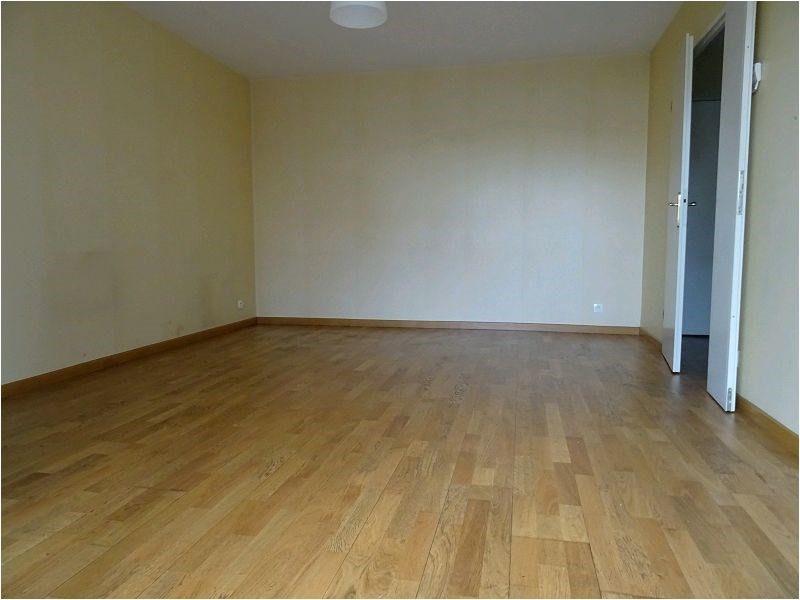 Rental apartment Viry chatillon 737€ CC - Picture 1