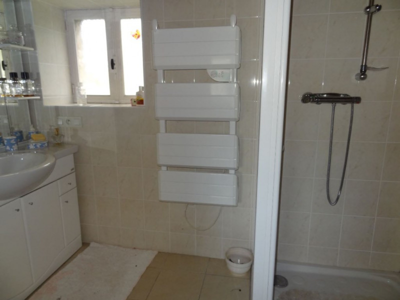 Sale house / villa Saint connan 85000€ - Picture 9
