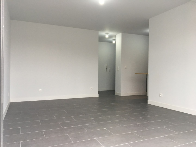 Rental apartment Pierrelaye 630€ CC - Picture 4