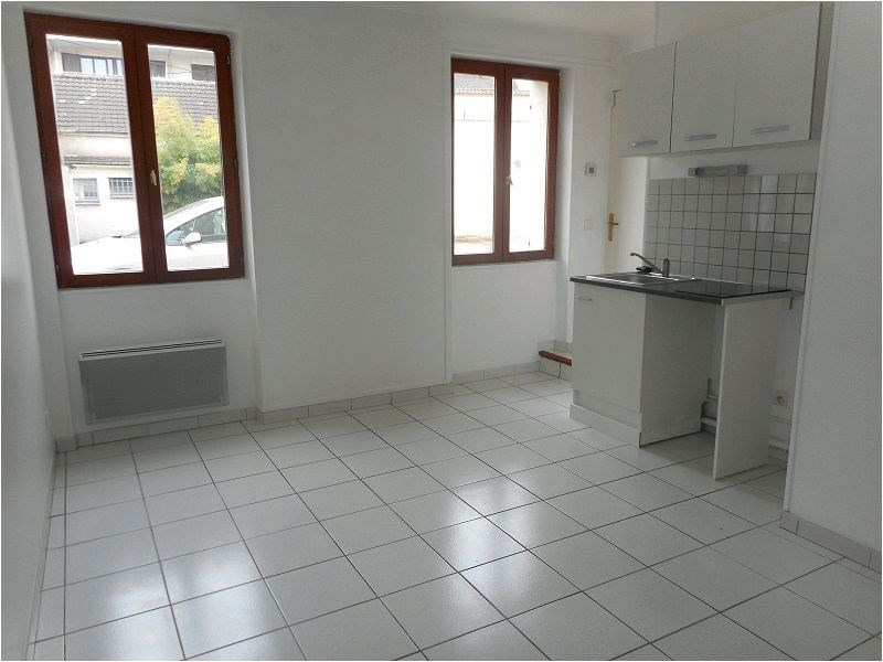 Rental apartment Longjumeau 548€ CC - Picture 1