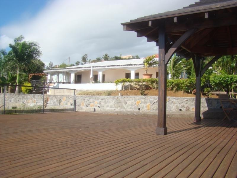 Rental house / villa La possession 2890€ CC - Picture 2