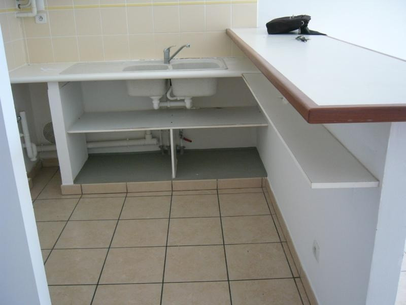 Rental apartment St denis 598€ CC - Picture 2