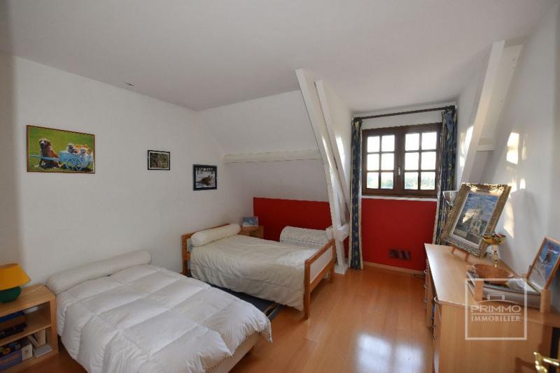 Deluxe sale house / villa Dommartin 650000€ - Picture 10