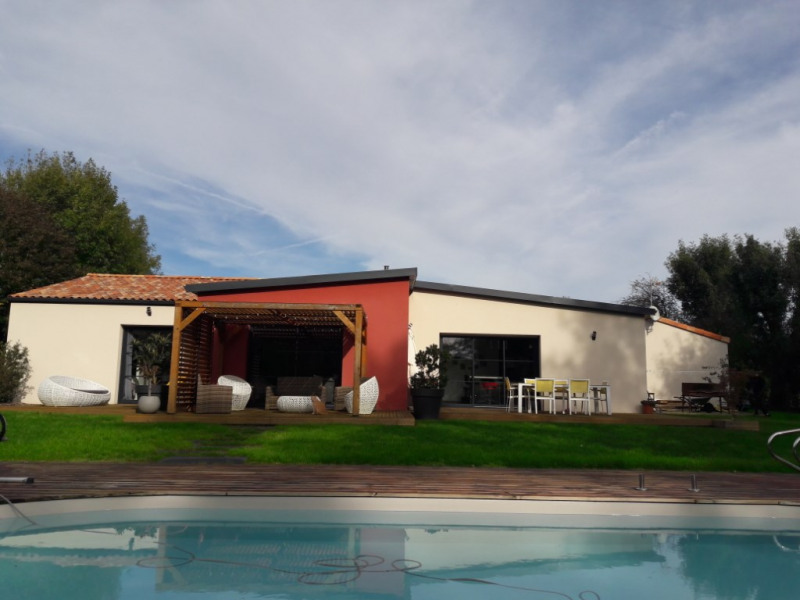 Sale house / villa Bretignolles 299730€ - Picture 2