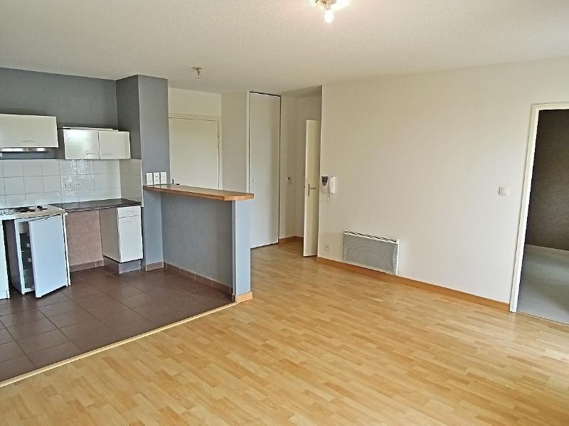 Rental apartment Cornebarrieu 510€ CC - Picture 1