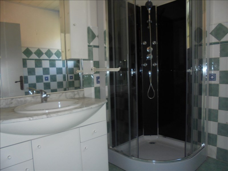 Location appartement Cluses 750€ CC - Photo 5