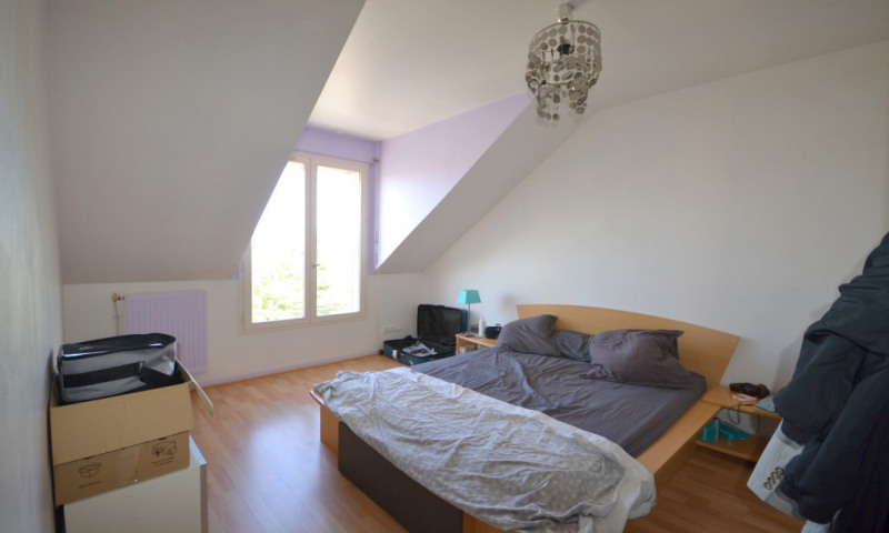 Rental apartment Plaisir 860€ CC - Picture 5