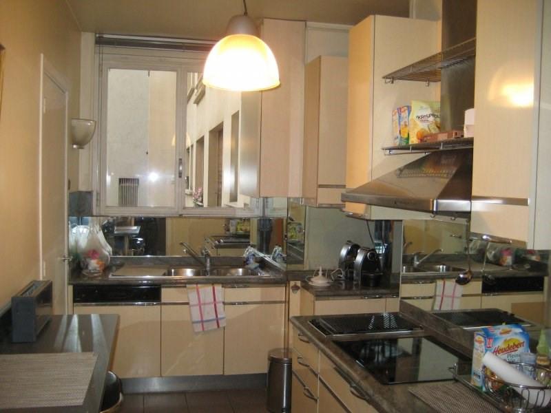Rental apartment Paris 16ème 2830€ CC - Picture 4