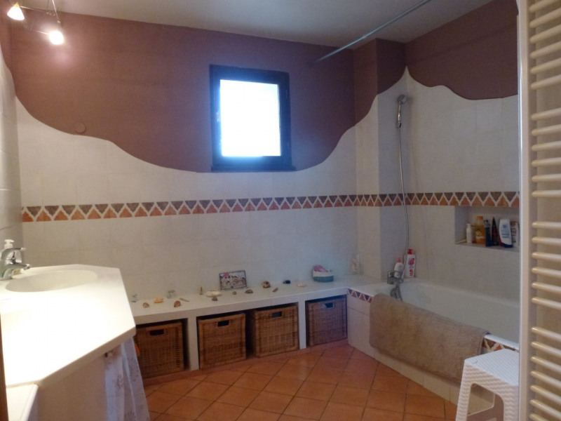 Vente maison / villa Beaurepaire 305 000€ - Photo 9