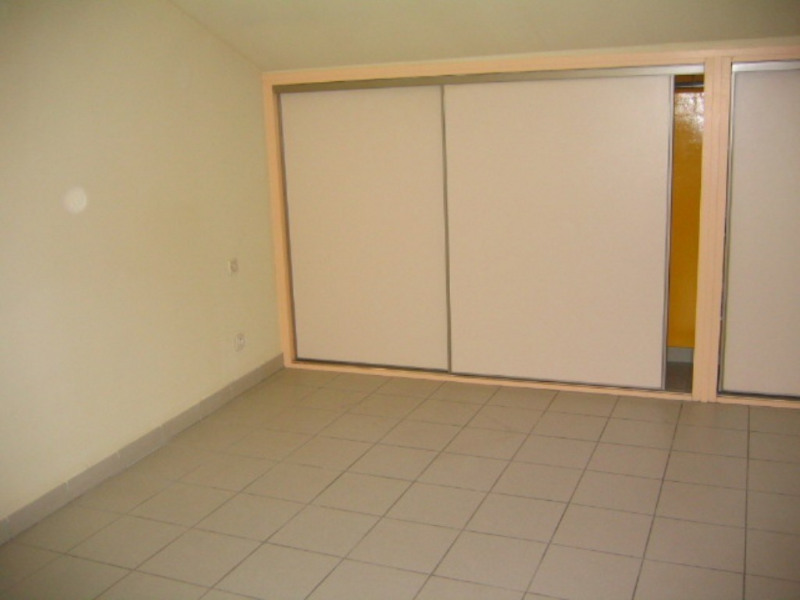 Location appartement Villeneuve-de-berg 442€ CC - Photo 4