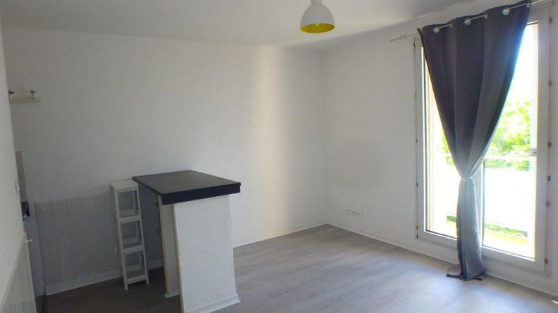 Rental apartment Castanet-tolosan 440€ CC - Picture 2