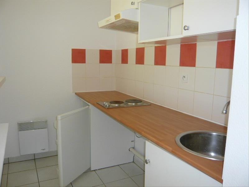 Rental apartment Ste foy de peyrolieres 415€ CC - Picture 3