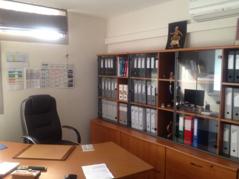 Location local commercial Castanet-tolosan 1 787€ CC - Photo 3