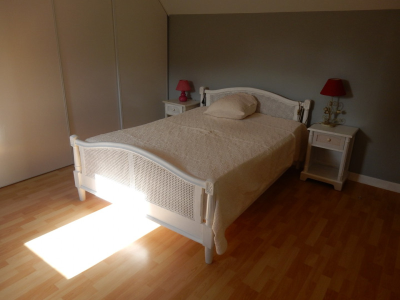Sale house / villa Grainville langannerie 237900€ - Picture 9