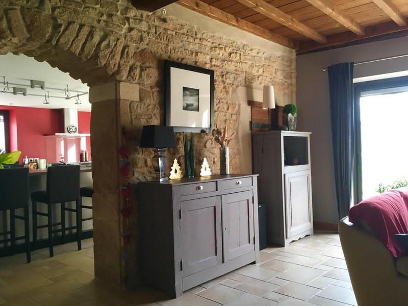 Deluxe sale house / villa Liergues 610000€ - Picture 1