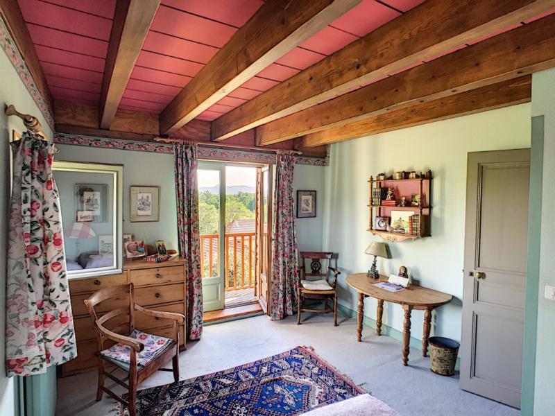 Deluxe sale house / villa Riom 570000€ - Picture 12