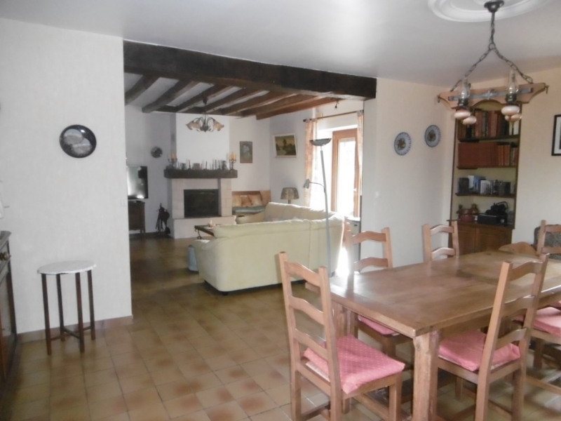 Sale house / villa La chapelle gaugain 210 000€ - Picture 2