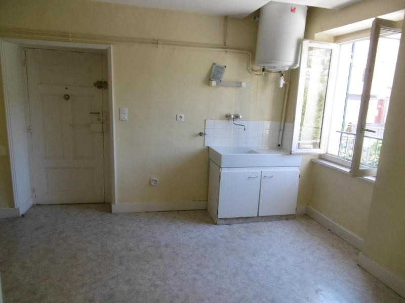 Location appartement Ste foy l'argentiere 370€ CC - Photo 1
