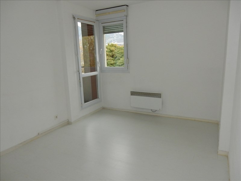 Sale apartment Fontaine 85 000€ - Picture 3