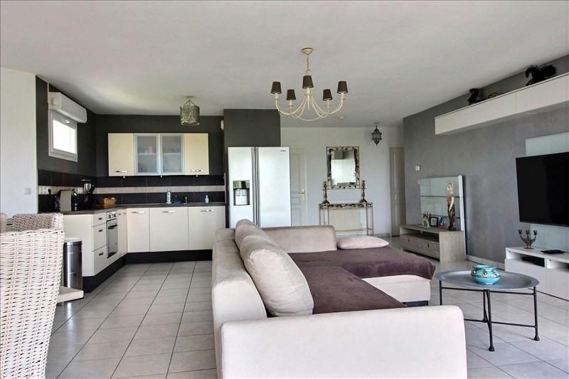 Sale apartment Jassans 230000€ - Picture 3