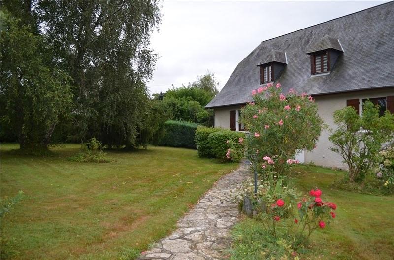 Sale house / villa Sauvagnon 372000€ - Picture 1