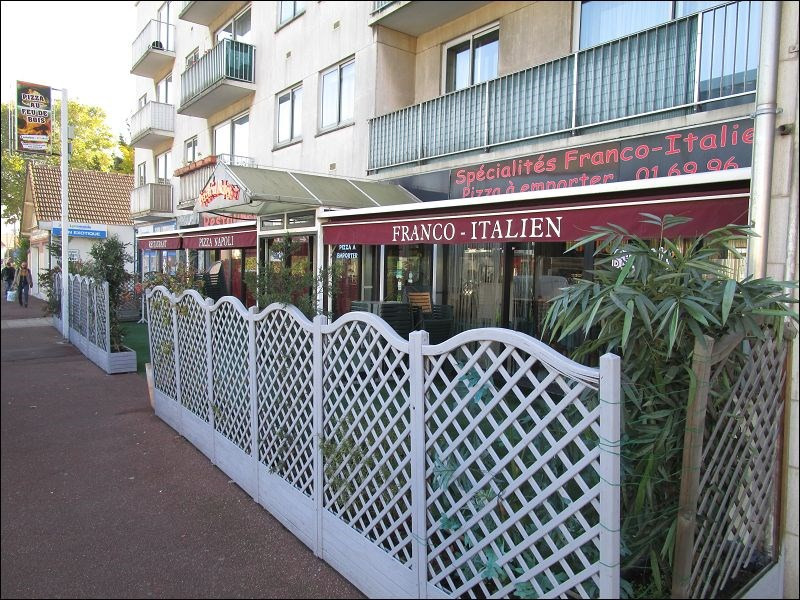 Location local commercial Savigny sur orge 2500€ CC - Photo 3