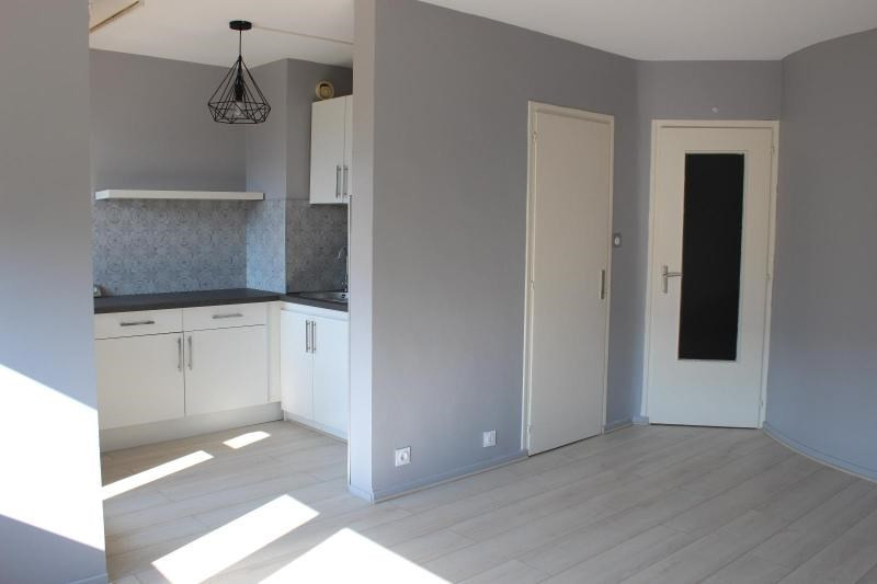 Location appartement Grenoble 465€ CC - Photo 1