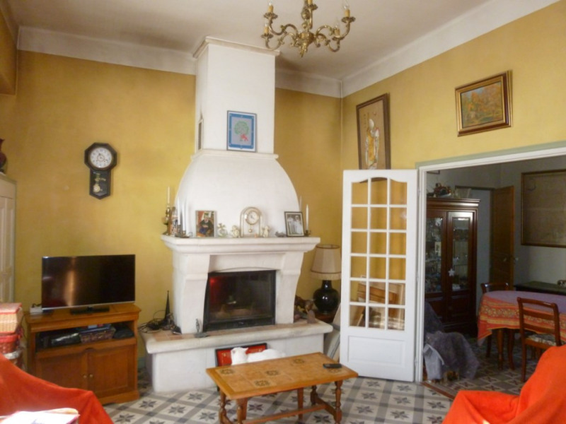 Sale apartment Nimes 339 000€ - Picture 2