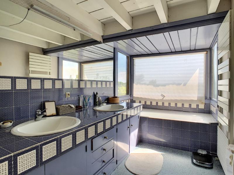 Deluxe sale house / villa Riom 570000€ - Picture 7