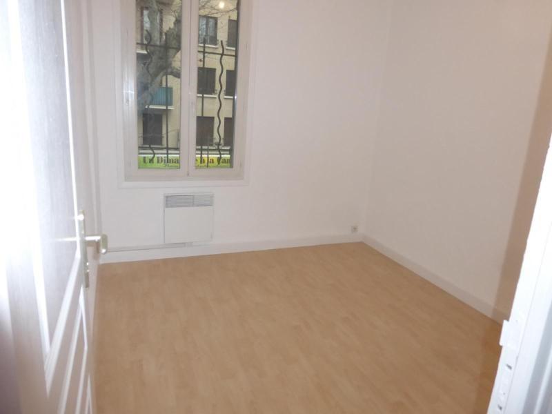 Location appartement Aix en provence 865€ CC - Photo 3