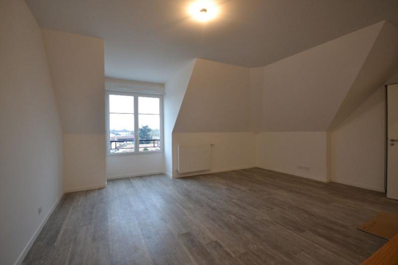 Location appartement Plaisir 699€ CC - Photo 1