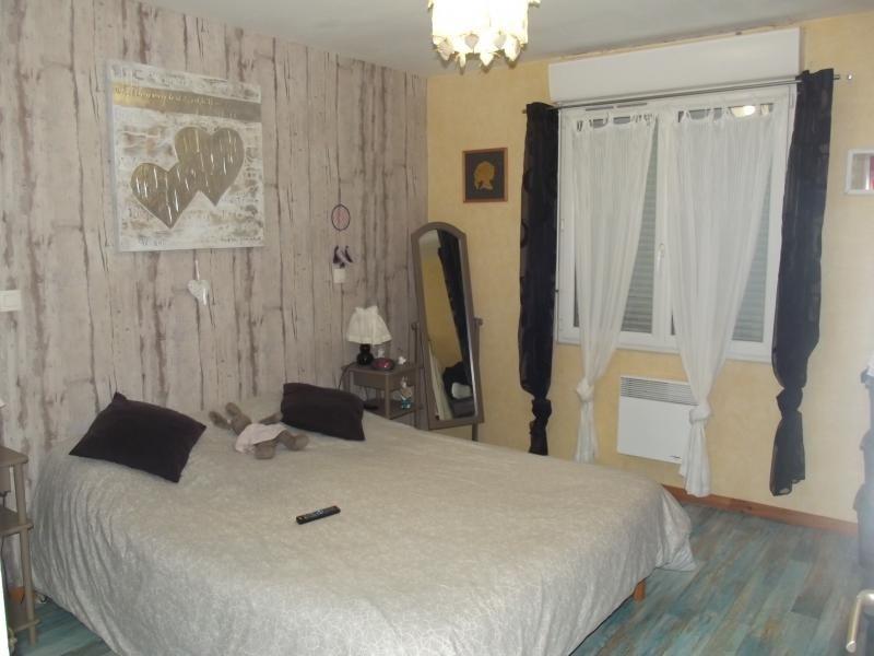 Sale house / villa L isle jourdain 249600€ - Picture 6