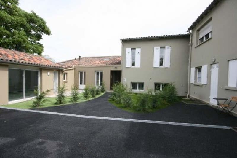 Rental apartment Carbon blanc 758€ CC - Picture 1