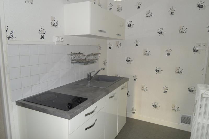 Rental apartment Breviandes 370€ CC - Picture 4