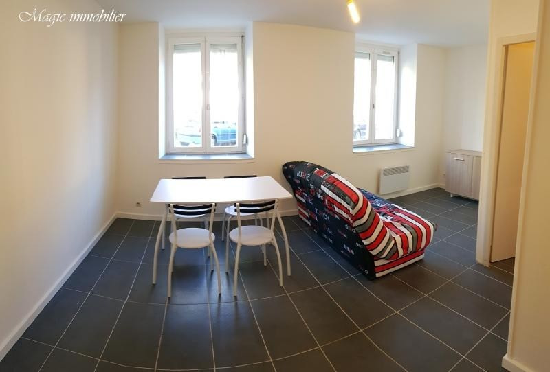 Location appartement Nantua 259€ CC - Photo 2