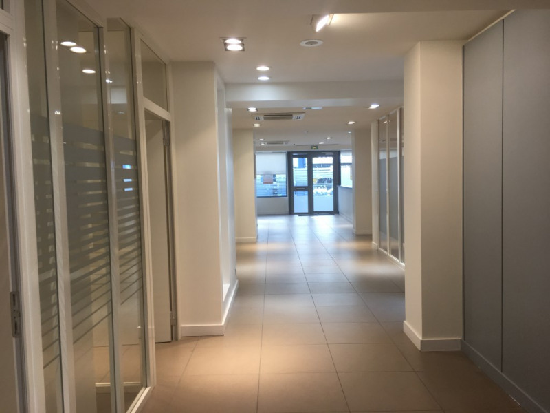 Location local commercial Saint omer 3 333€ HC - Photo 4